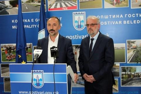 Kryeparlamentari Talat Xhaferi  vizitën e parë zyrtare e bëri në Komunën e Gostivarit