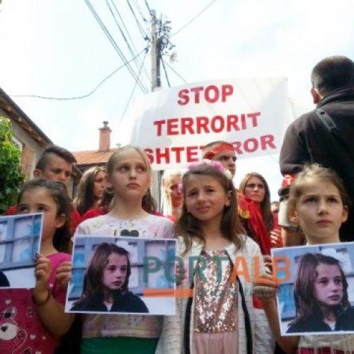 """""""Lagjja e Trimave"""", familjarët në heshtje e fillojnë marshin përkujtimor (FOTO)"""