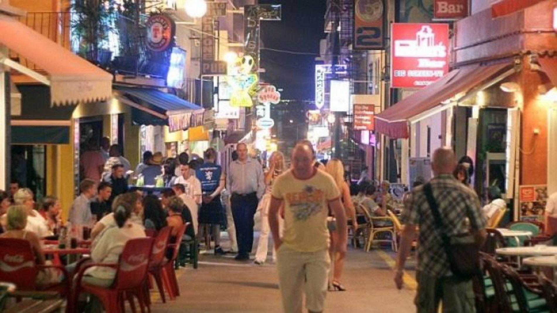 Në këtë ishull turistik është e ndaluar të pihet në rrugë, qoftë edhe një shishe me ujë