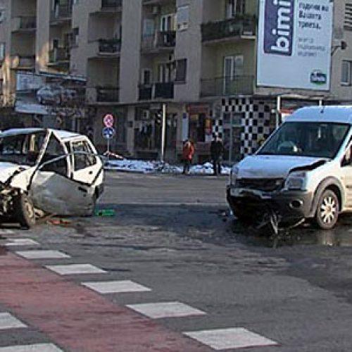Në Shkup 13 aksidente, më pak të lënduar 11 persona
