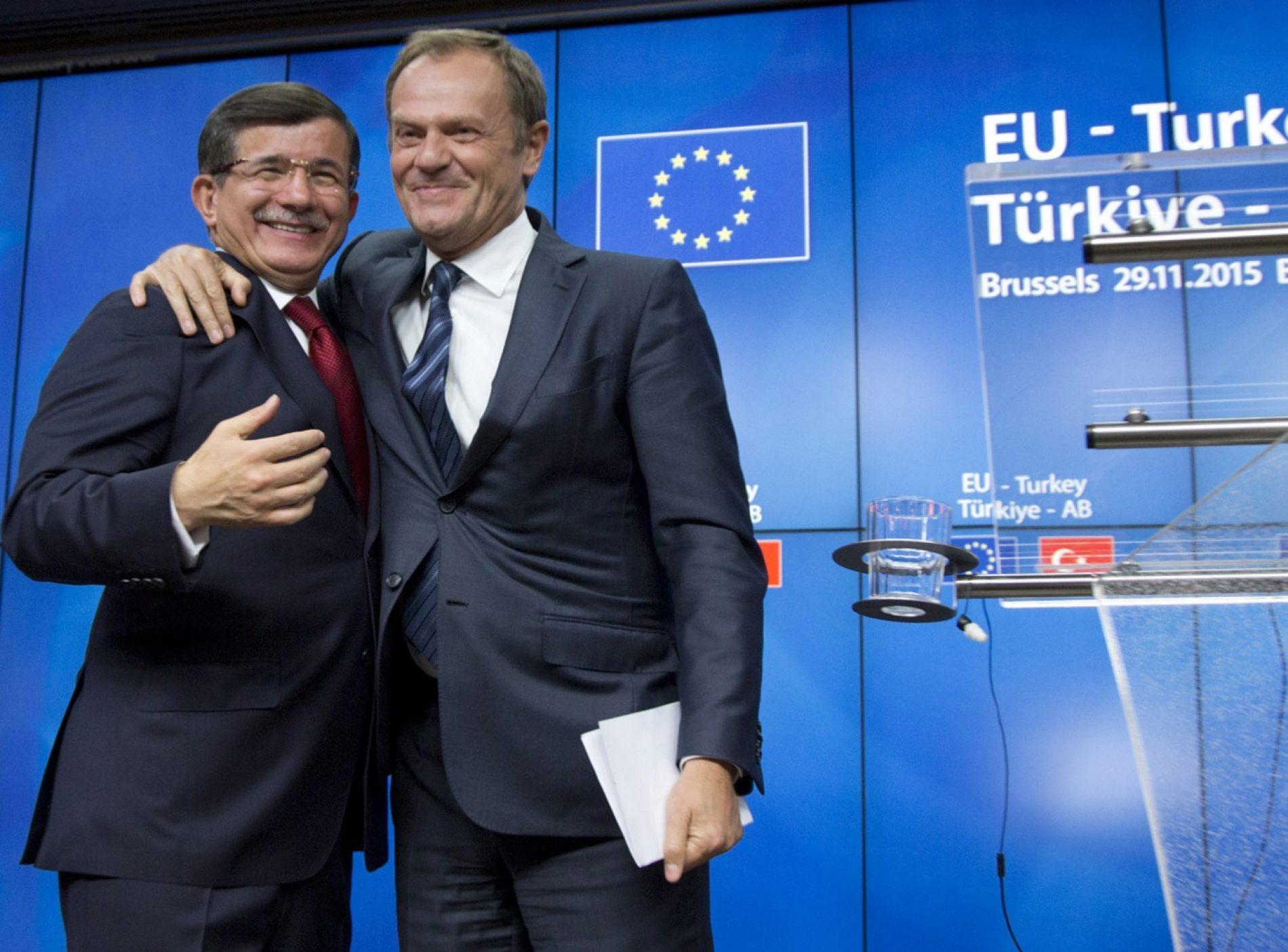 """Edhe Turqia pa viza! Përdori """"refugjatët"""" në këmbim të liberalizimit"""