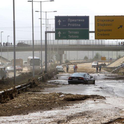 MBP-ja serbe zbarkon në Shkup për të ndihmuar rajonet e vërshuara