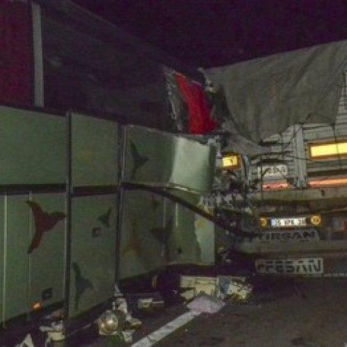 Aksidenti i autobusit të Shkupit në Turqi, MPJ tregon inicialet e viktimës