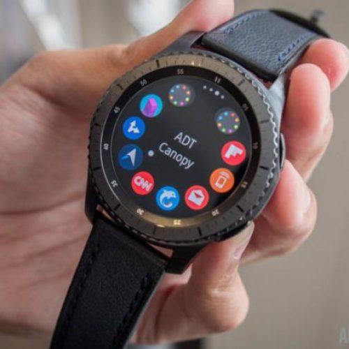 Samsung shet gjitha orët e reja Gear për vetëm katër ditë!