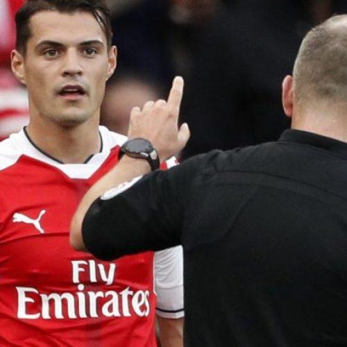 Xhakës nuk do t'i pëlqejë aspak deklarata e Chamberlain rreth kartonit të kuq