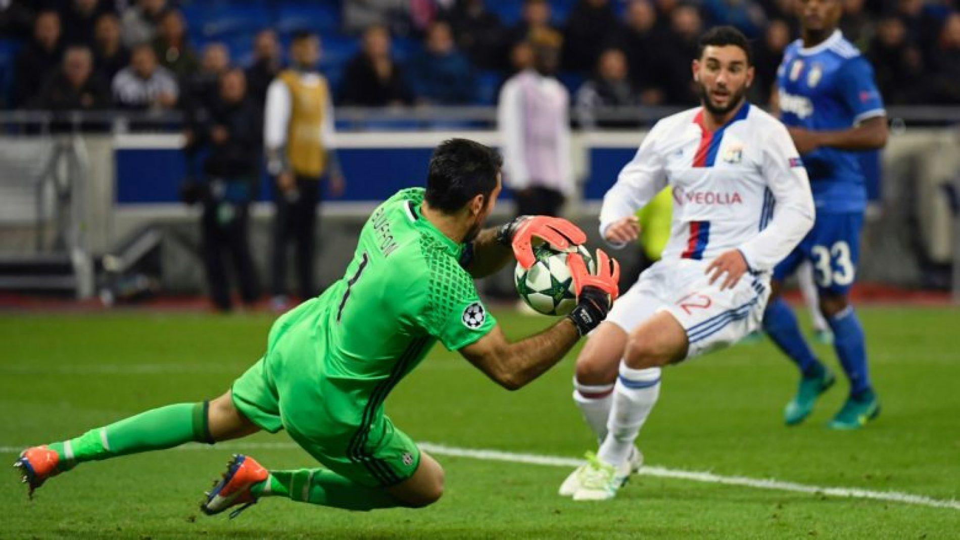 Formacionet e mundshme, Juventus-Lyon
