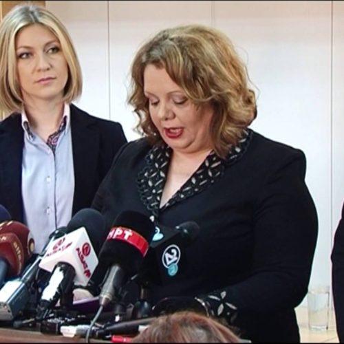 Katica dhe Fatimja godasin Agjencinë e Rrugëve të Maqedonisë
