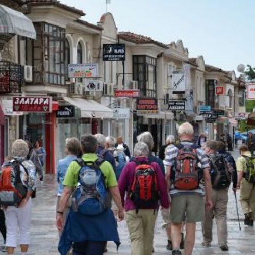 Edhe Ohri i bashkangjitet protestës qytetare