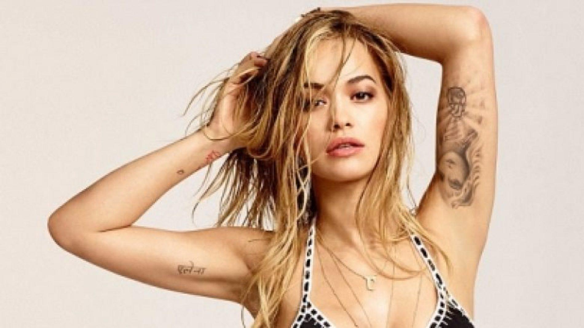 Rita Ora super seksi në të brendshme – kështu nuk e keni parë (Foto)