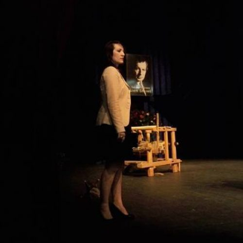 Regjisorja Rudina Zhara- Gruda, shpërthen me dy komedi në Francë