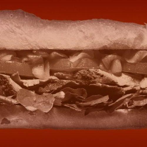 Studim i ri: Sandviçi i kohës së drekës është fajtori për kilet e tepërta