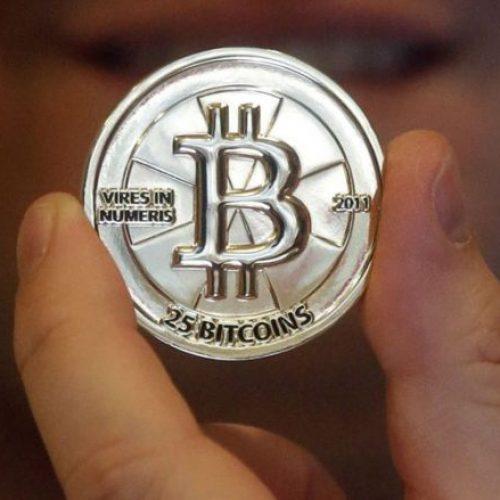 Kush fshihet prapa pseudonimit Nakamoto? Blogerët pretendojnë se e dinë se kush qëndron prapa Bitcoin-it! (Video)