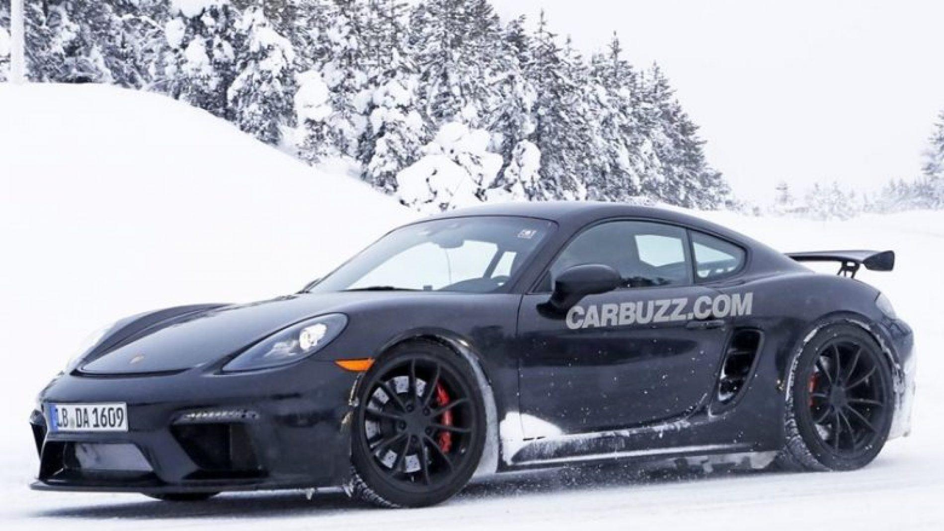 Porsche 718 kapet gjatë fazës së testimit, e 'kamufluar' vetëm me fjolla bore (Foto)
